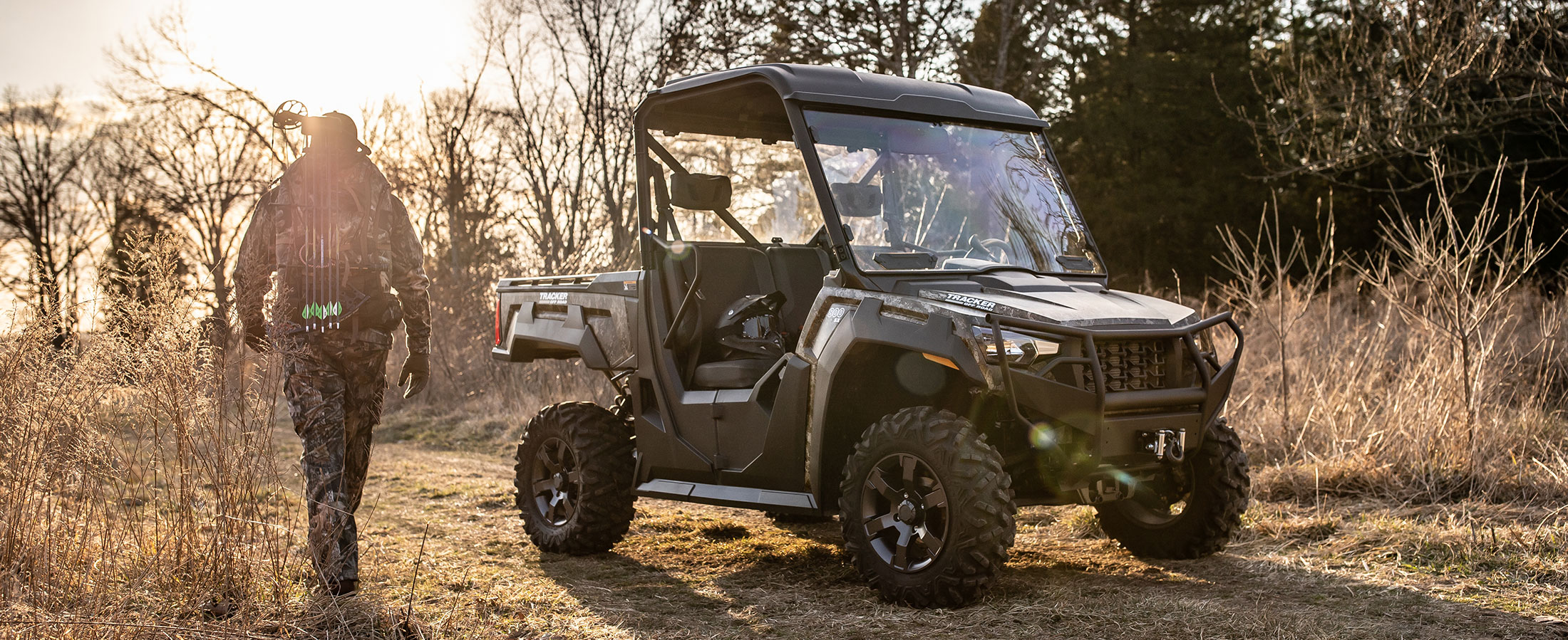 Tracker 800SX Exclusive Auto Marine Tracker Off Road Side-by