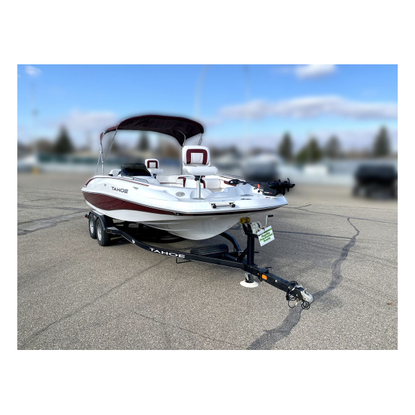 2018 Tahoe 215 Xi Pre-owned boats Exclusive Auto Marine bow riders