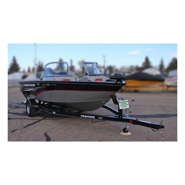 Pre-owned Boat Exclusive Auto Marine 2014 Tracker ProGuide V175  Combo fishing boat